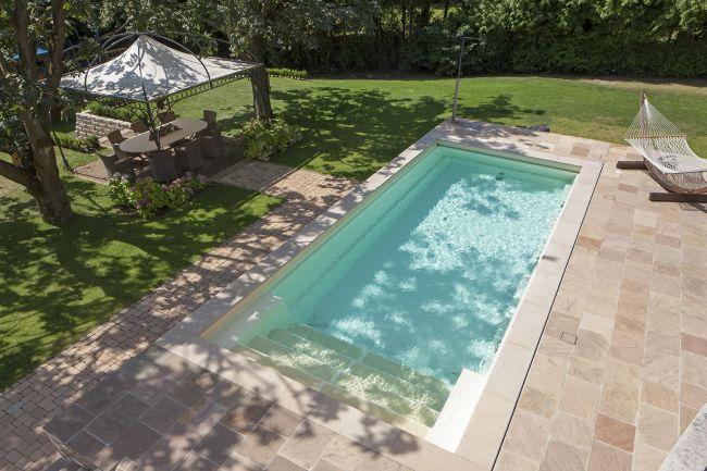 poolbau-wiesbaden-swimmingpool-schwimmbad-hängematte