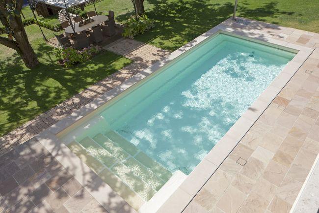poolbau-wiesbaden-swimmingpool-schwimmbad-treppe