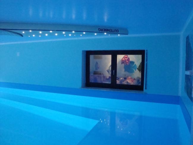 gesundheits-hallenbad-wiesbaden-dauber-schwimmanlagen-wohnlich